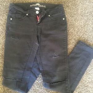 Women's Almost Famous black skinny jeans sz 3